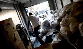 Maden pakkes inden den skal deles ud på gaderne i New York
